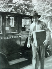 composer/1930goldtaxi.jpg